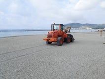 建筑在海滩机器的机器工作 免版税库存照片