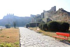 筑堡垒于的墙壁和路 免版税图库摄影