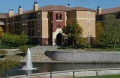 建筑学和喷泉,坎萨斯城,密苏里 免版税库存照片