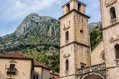 建筑学在科托尔,黑山 免版税库存照片