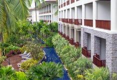 建筑学外部与私有游泳池SENTIDO Graceland Khao Lak手段&温泉的每个室 库存图片