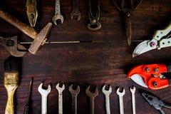建筑工具和仪器在木背景 图库摄影