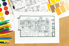 建筑师书桌的运作的安排 免版税库存图片