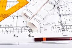 建筑师卷和计划 免版税图库摄影