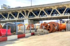 建筑材料和第三座环行路桥梁存贮  免版税图库摄影