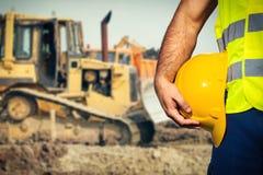 建筑查出的好成套装备工作者 免版税库存照片