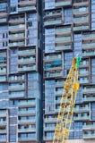 建筑用起重机和大厦 库存照片
