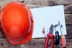 建筑盔甲,老工具和 免版税图库摄影
