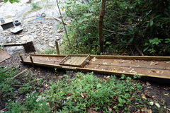 建筑幻灯片在森林里 图库摄影