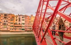 建筑细节-桥梁在希罗纳-卡塔龙尼亚,不仅巴塞罗那 库存图片