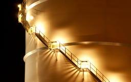 筒仓在晚上之前 免版税库存照片