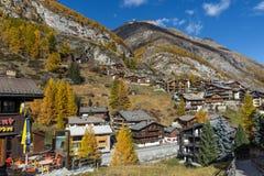 策马特,瑞士- 2015年10月27日:策马特手段,瑞士惊人的看法  图库摄影