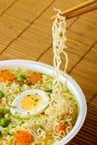 筷子方便面 免版税图库摄影