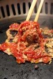 筷子蛋肉混合搅拌 免版税图库摄影
