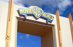 签字在入口到电影世界主题乐园在英属黄金海岸,澳大利亚 免版税库存图片