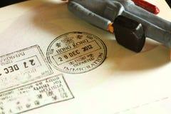 签证被盖印的场面 免版税图库摄影