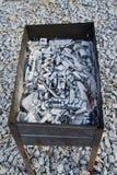 简单火盆的木炭 库存图片