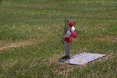 简单的坟墓 免版税库存图片