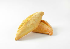 简单的有壳的小圆面包 图库摄影