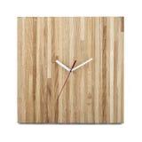 简单的木墙壁手表-被隔绝的方形的时钟 免版税图库摄影
