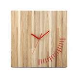 简单的木墙壁手表-被隔绝的方形的时钟 免版税库存图片