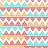 简单的种族五颜六色的之字形三角无缝的样式,传染媒介 皇族释放例证