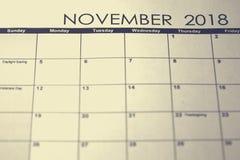 简单的11月2018日历 星期从星期天开始 免版税库存照片