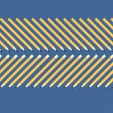 简单的黄色铅笔的背景在一张蓝色桌上的 免版税库存图片