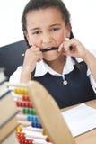 算盘非洲裔美国人的选件类女孩学校 免版税库存照片