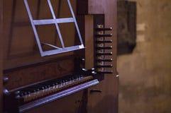 管风琴键盘 免版税库存照片