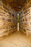 箭头城堡guedelon裂缝 库存图片