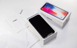 箱中取出的打开最新的iphone x 10 图库摄影