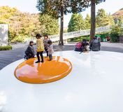箱根,日本- 2017年11月5日:炒蛋雕塑  库存图片