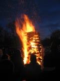 篝火和一群人, 2 库存照片