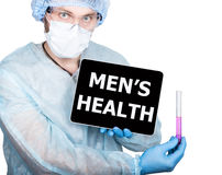 篡改拿着有men&的x27一台片剂个人计算机; s在显示的健康标志 查出在白色 图库摄影