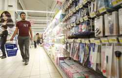 篮子人购物超级市场 库存图片