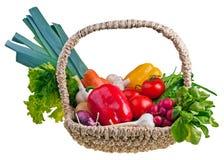 篮子充分的vegetablepotatoes 免版税图库摄影