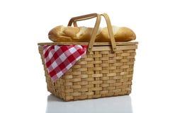 篮子方格花布野餐 免版税图库摄影