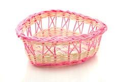 篮子日粉红色华伦泰被编织 免版税图库摄影