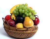 篮子果子侧视图 免版税库存图片