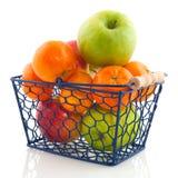 篮子果子购物 图库摄影