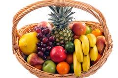 篮子果子 免版税库存照片