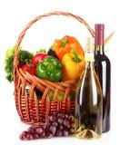 篮子查出的集合蔬菜wricker 免版税库存图片