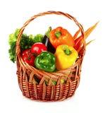 篮子查出的集合蔬菜wricker 图库摄影