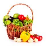 篮子查出蔬菜 库存照片
