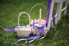 篮子瓣上升了 婚姻 装饰 图库摄影