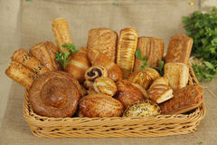 篮子的早餐混合 免版税库存图片