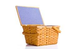 篮子野餐白色 免版税库存照片