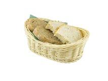 篮子面包新鲜的柳条 免版税库存照片