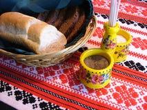 篮子面包 免版税库存图片